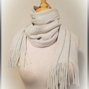 Echo metallic scarf NWT